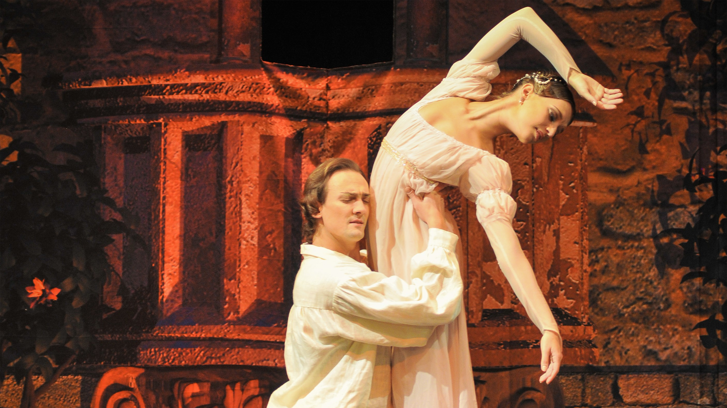 The Royal Moscow Ballet - Romeo and Juliet - (fotograaf onbekend) - campagnebeeld liggend.jpg